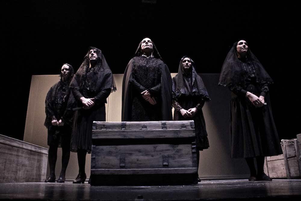 La casa di Bernarda Alba - Spettacolo Teatro d'Emergenza